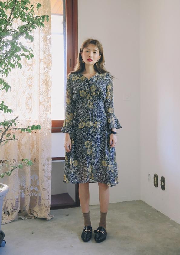 V-Neckline Floral Dress (Code: E1016)