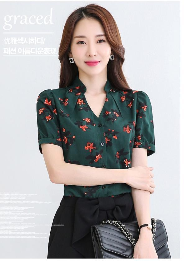 V-Neckline Floral Top (Code: E8946)