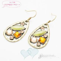 Fashion earrings - E011 -- RM10