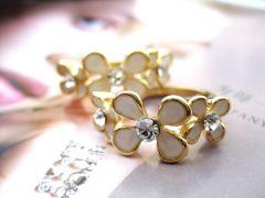 R021 Flower Ring
